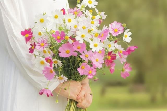10月の誕生石・誕生花をご紹介!それぞれに込められた意味とは?