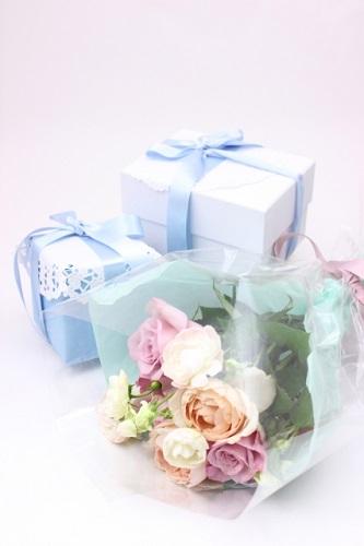 6月の誕生石・誕生花をご紹介!それぞれに込められた意味とは?
