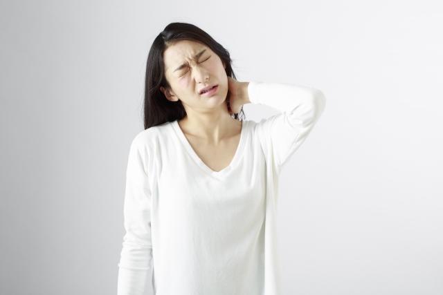 四十肩・五十肩の症状とは?その原因と治し方は?
