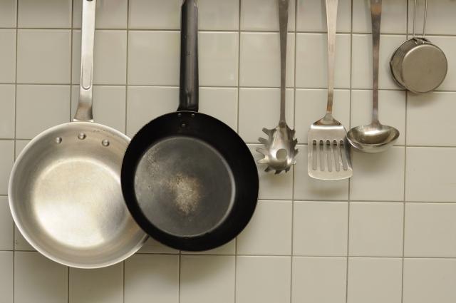 料理の初心者が揃えておくべき必要な調理器具とは?