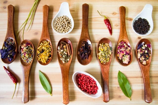 料理を作る際に用意しておくと便利な調味料とは?
